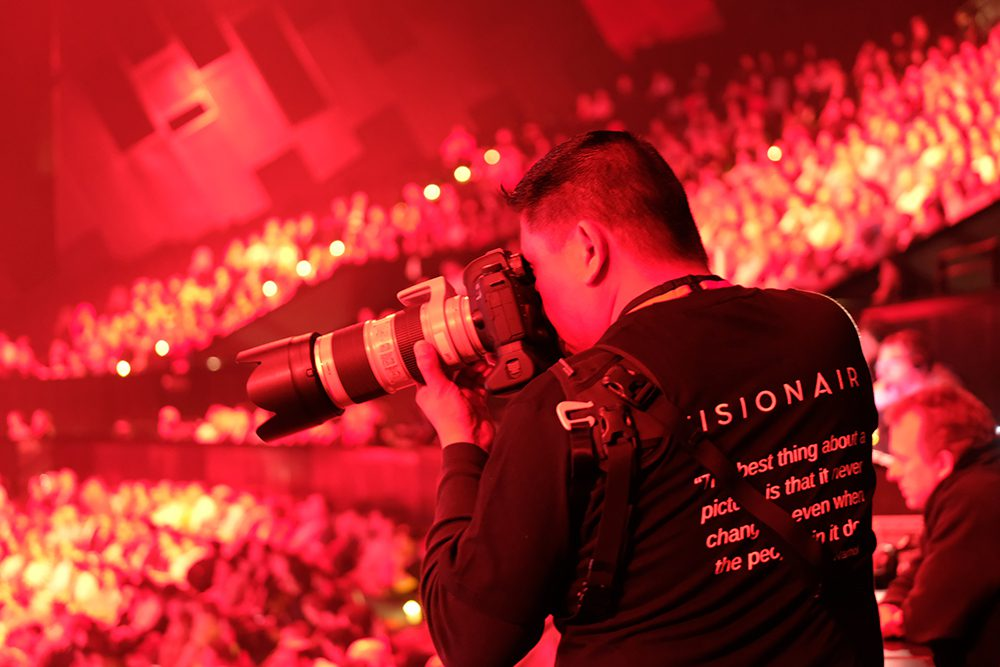 Behind the Scenes at TEDxSydney From a Photographers Perspective – Part 2