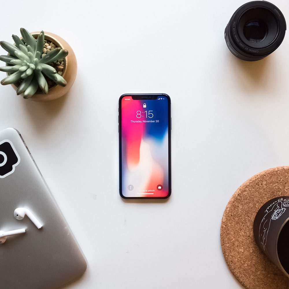 Iphones currently are the only phones which can capture 3D photos on Facebook. We think 3D photos are going to be a top photography trend for 2019.