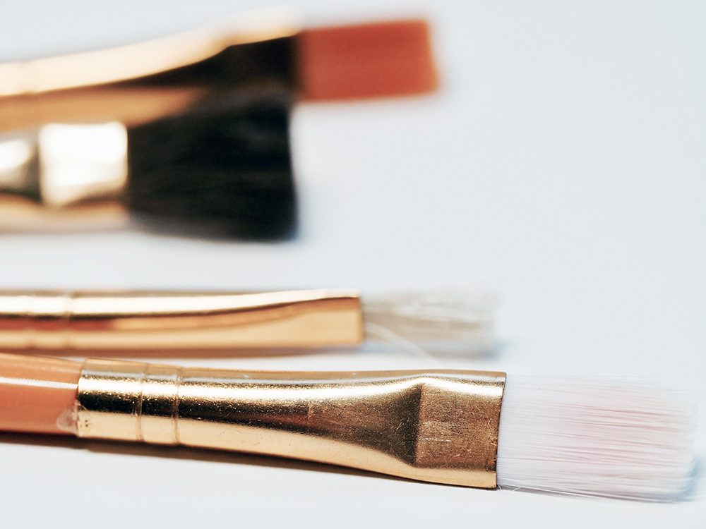 Employ the services of a makeup artist to counter an reflection from the oil on skin